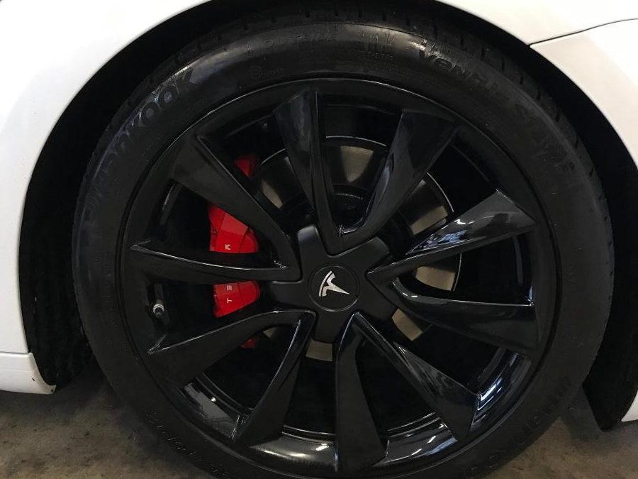 Tesla Model 3 4WD Tieferlegung